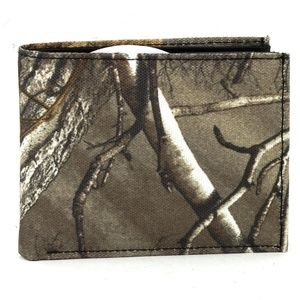 REALTREE RFID Bifold Wallet With Flap Over ID Wind